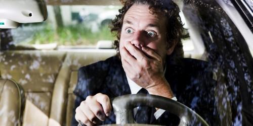 Automobilist schrikt (groot)