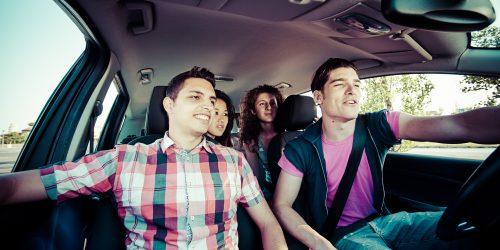 auto-met-jongeren-erin